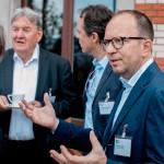 Angeregte Diskussionen auf der Terrasse des Hotel Zürichbergs. Hier im Bild: Matthias Kiess, CEO TBWA und Frank Bodin, CEO Havas